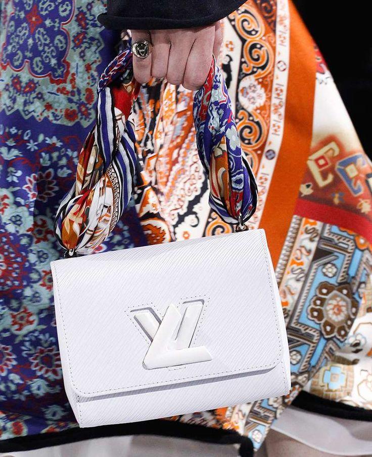 Collezione borse Louis Vuitton autunno inverno 2016 2017, hobo in tela.