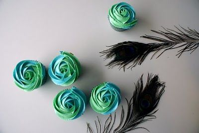 Hey jonna do you think you can ice them like this?  I think I am going to do cupcake centerpieces at the tables!