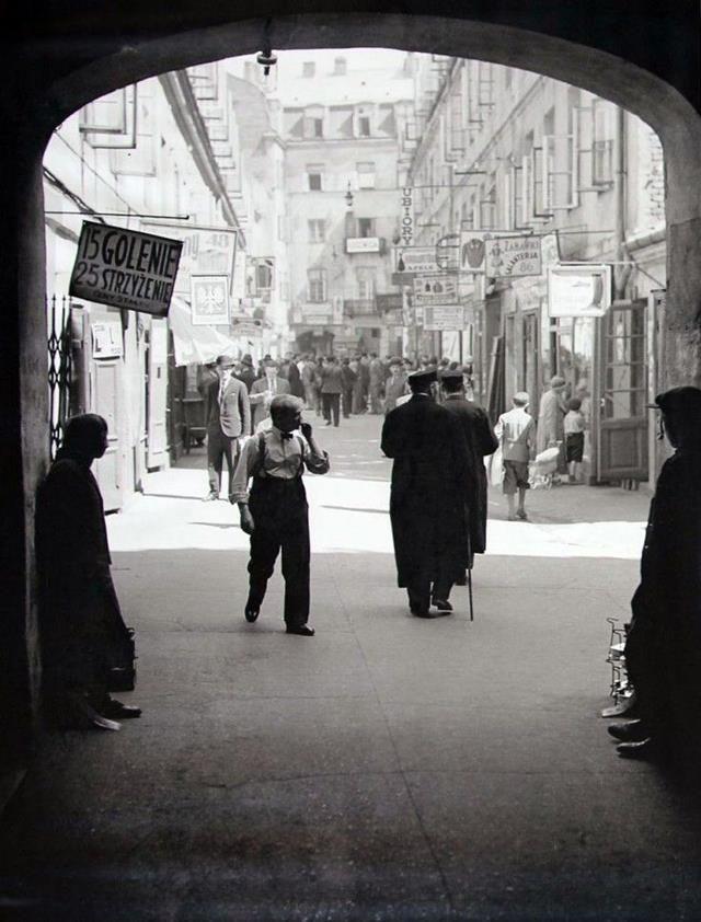 Warszawa w latach 30-tych XX wieku.