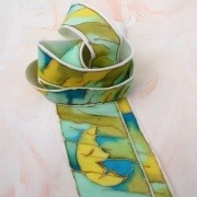 Kravata hedvábná.