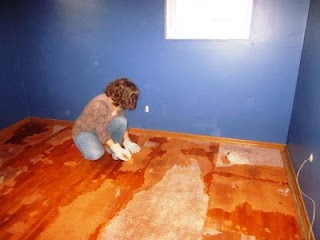 How to remove carpet padding from hardwood floors