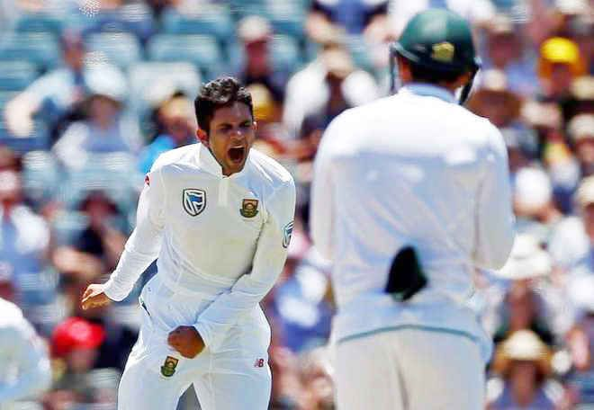 South Africa ponder four-pronged pace assault for Hobart Test - http://thehawk.in/news/south-africa-ponder-four-pronged-pace-assault-for-hobart-test/