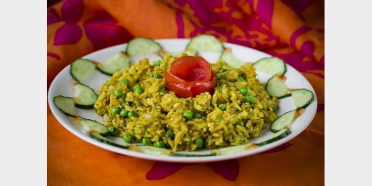 Valmista Paistettu vietnamilainen keltainen riisi tällä reseptillä. Helposti parasta!