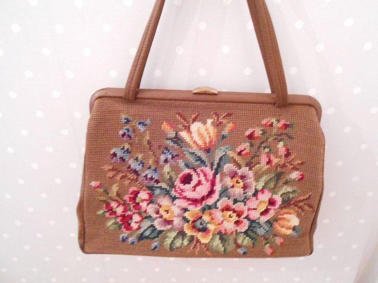 Vintage Handtaschen - 60er Granny Handtasche Gobelin braun geblümt - ein Designerstück von Gute-Kinderstube bei DaWanda