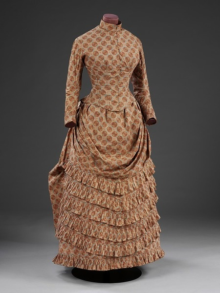 Dress    Place of origin:  Britain, United Kingdom (made)    Date:  1885 (made)    Artist/Maker:  Unknown (production)    Materials and Techniques:  Printed cotton    Credit Line:  Given by Agatha Granville    Museum number:  T.7  Dress | V Search the Collections