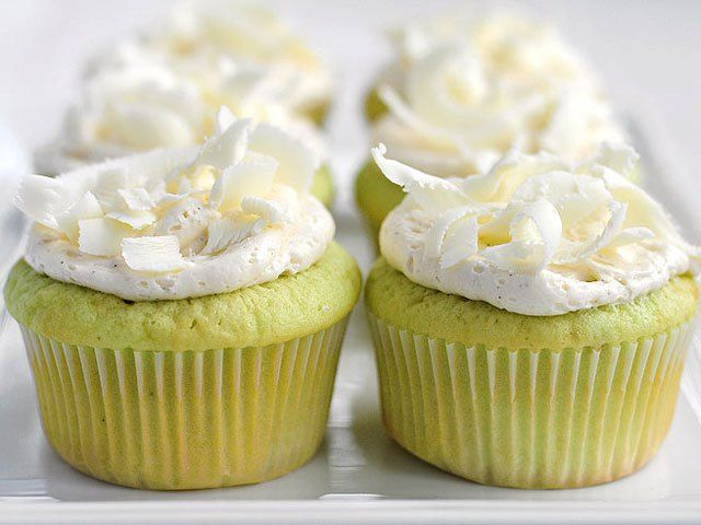 These 12 recipes are naturally green. They're perfect for a healthier St. Patrick's Day dinner and dessert.
