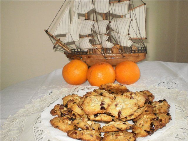 Флорентийское печенье.  Клюква сушёная 70 гр. цукаты из арбузов самодельные 30 гр. миндаль лепестками 100 гр. цедра одного апельсина кешью 30 гр для посыпки