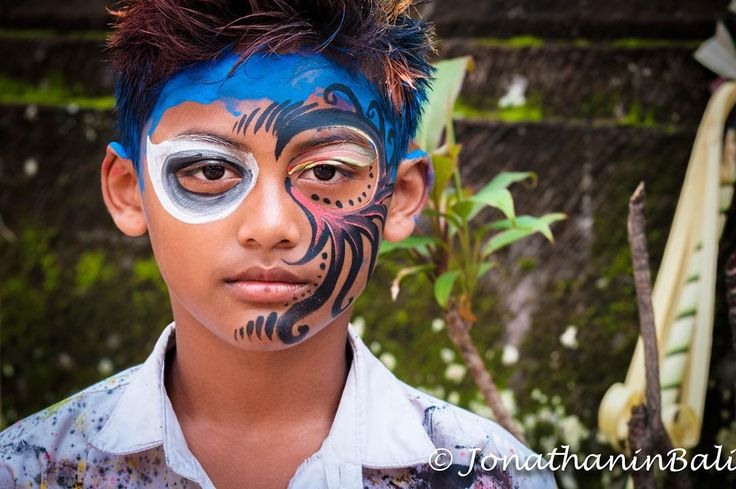 Murni's Bali Tours Murni's Houses Ubud Bali Indonesia www.murnis.com  For the book Secrets of Bali Fresh Light on the Morning of the World - go to http://ift.tt/2oNwySP  For the book Murnis Bali Tours Where to go What to do and How to do it - go to http://ift.tt/2oRi9EL  #aroundtheworld #worldtraveler #jonathaninbali #www.murnis.com #travelphotography #traveler #lonelyplanet #travel #travelingram #travels #travelling #traveling #instatravel #asian #travelphoto#exploringtheglobe…