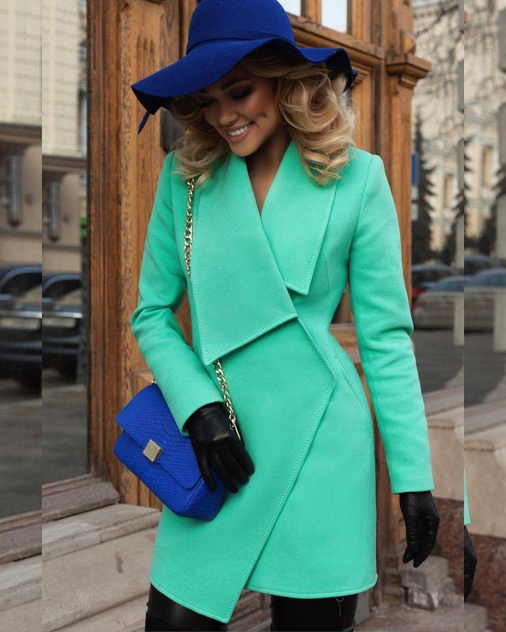 Весна наступает ☀️💦🌸☘️Новая коллекция роскошных весенних пальто 🐬💙🐬💙вышла потрясающей 👑мы влюблены 🙏🏻на Элоне шикарное пальто на основе…