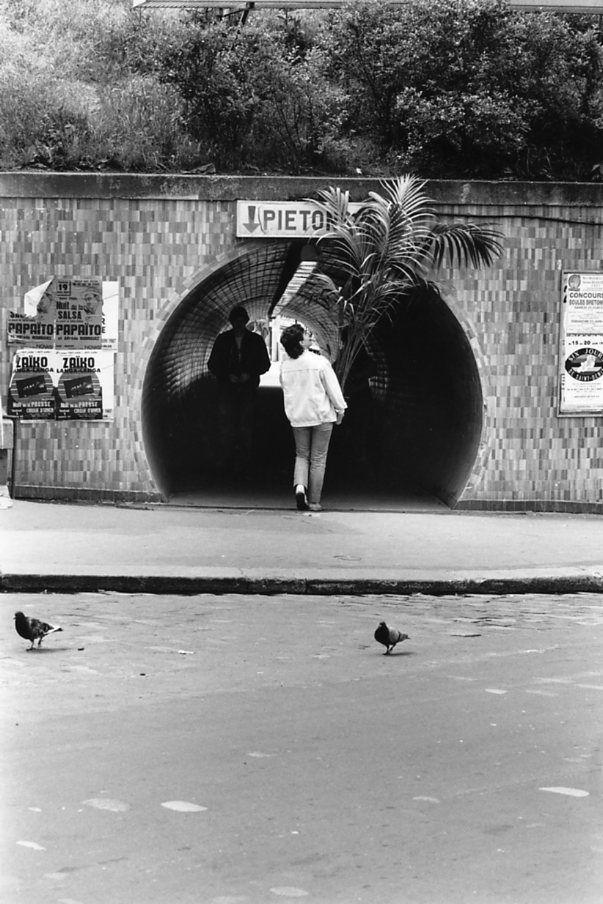 Robert Doisneau - Saint Denis // Passage piétons gare de Saint-Denis Juin 1987