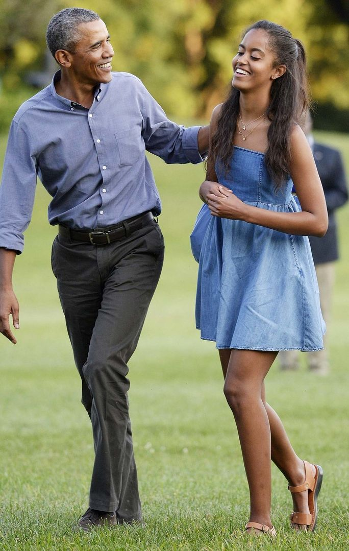 Malia Obama showed off her youthful style while returning to the White House after a family vacation in Martha's Vineyard.
