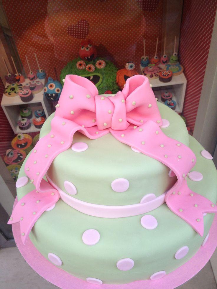Τούρτες Γενεθλίων - Διόροφη λαχανί με ροζ φιόγκο! #sugarela #TourtesGenethlion #knot #bow #fiogkos #BirthdayCakes