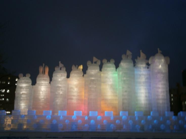 大氷像 動物たちの夢の城