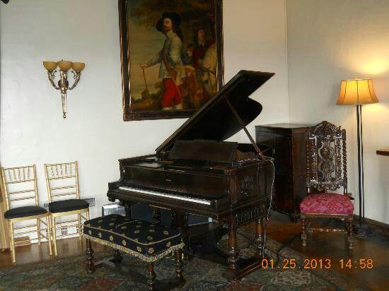 casino grand pianos movie italy