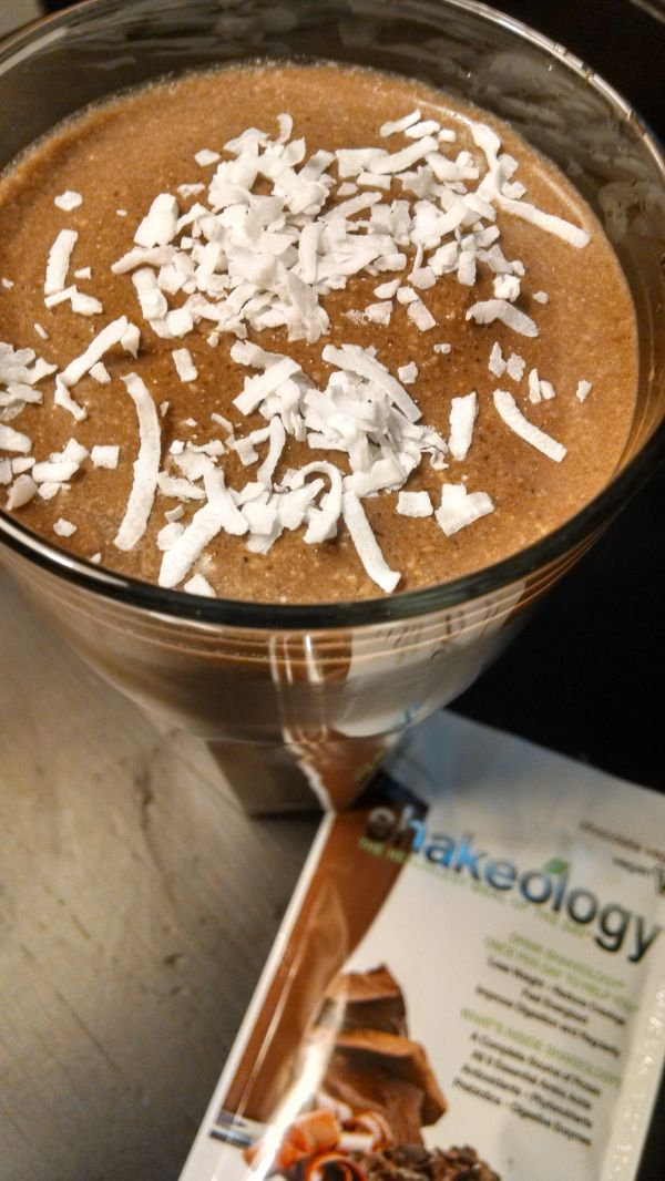 German Chocolate Cake Shakeology: Chocolate Shakeology + 1 cup coconut milk + 1 tbsp coconut oil + 1/4 cup toasted pecans + 1/2 tsp coconut extract + 1/2 – 1 cup ice. Blend. | HealthyFeelsHappy.com