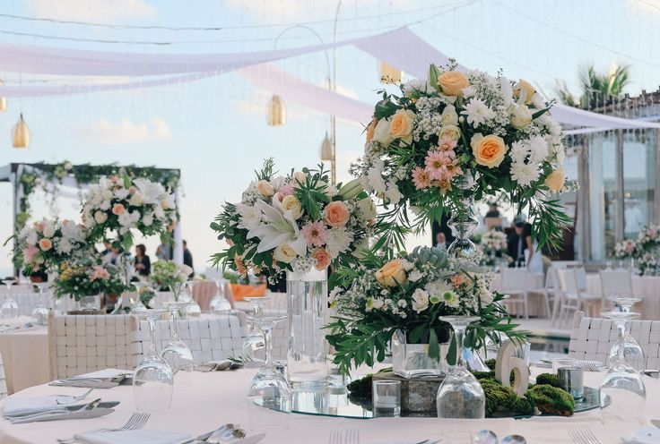 This is incredible! Unique work by  Sweetbella Florist & Decoration http://www.bridestory.com/sweetbella-project/projects/rustic-elegant-for-joulmer-and-silvia