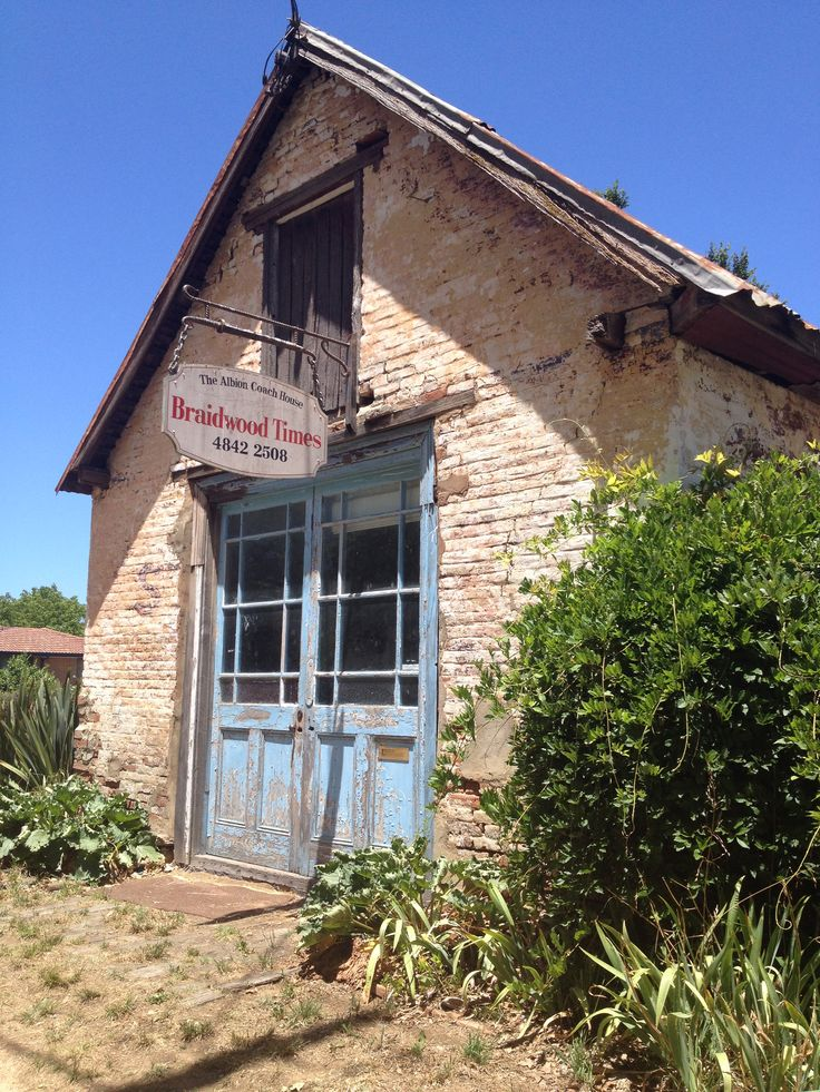 Stone building in Braidwood, NSW 'The Braidwood Times'. Love the town of Braidwood.