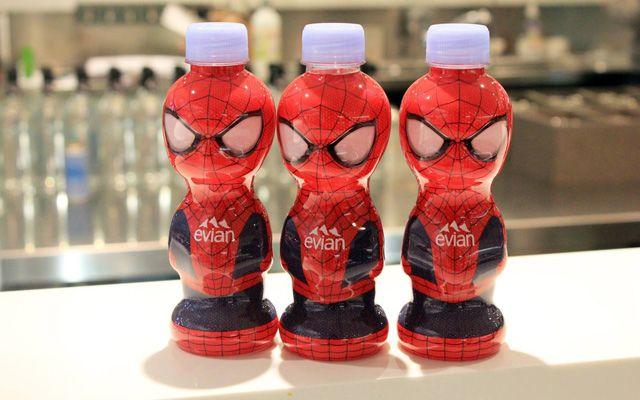 Des bouteilles Evian Spider-Man chez Colette