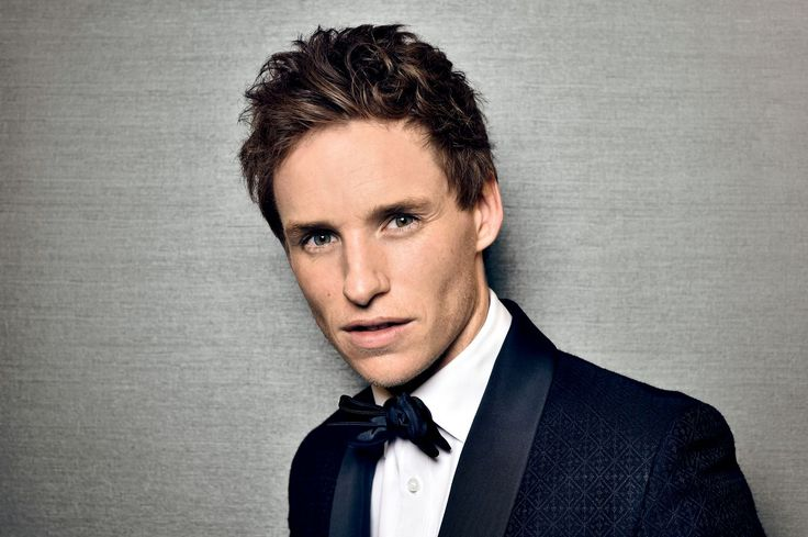 Eddie Redmayne is slowly becoming the new darling of the Harry Potter franchise and recently he talked about his early acting career. Newt Scamander himsel...