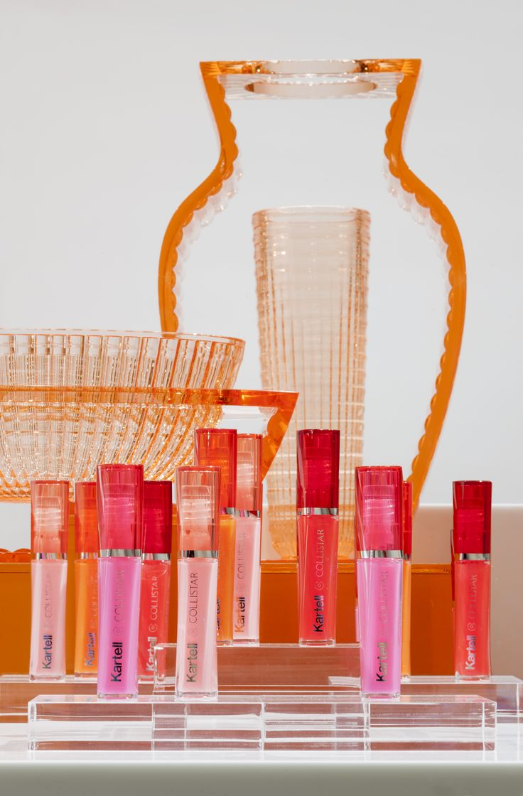 I-Shine & U-Shine vases by Eugeni Quitllet with Trasparenze lip gloss - Rise and shine!