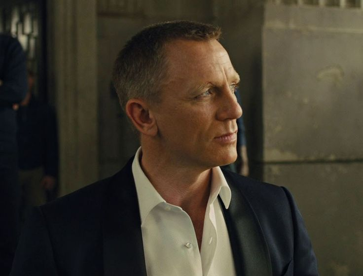 1250 best Daniel Craig images on Pinterest | James bond ...