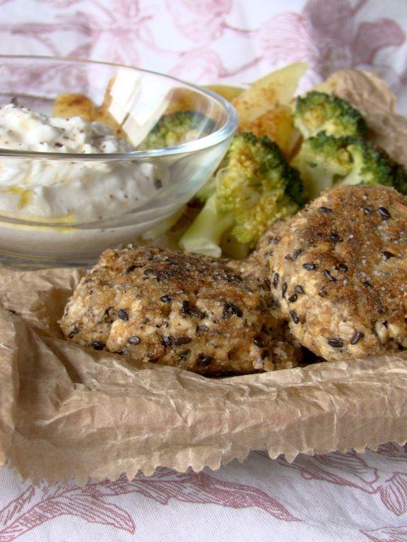 mangiare è un po' come viaggiare: polpette di tofu con olive, pomodorini e aromi freschi