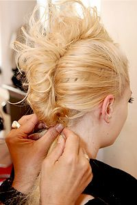 Out there hairstyle --- I would love to do this one day for Halloween or something!