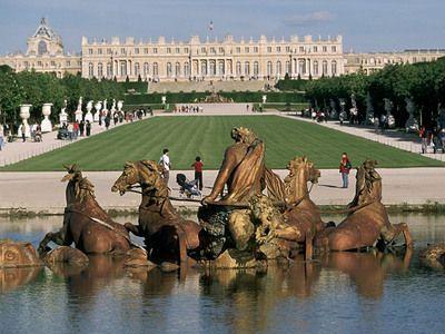 絶対王政の象徴、ベルサイユ宮殿