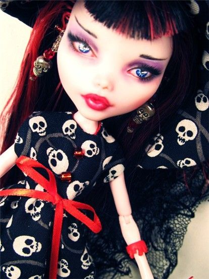 Monster High Ebay >> OOAK Draculaura repaint and OOAK Witch costume by Donna anne Ebay: Fantasy-dolls-by-donna-anne ...