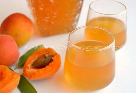 Liquore di albicocche