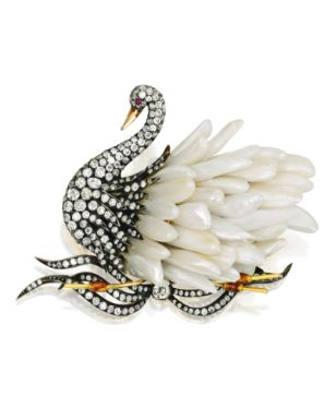 Gold, Silver, Freshwater Pearl and Diamond Swan Brooch7 40 Carat, Pearls Feathers, Diamonds Pearls, Freshwater Pearls, Jewelry Gold, Diamonds Weigh, Swan Brooches, Jewels, Diamonds Swan