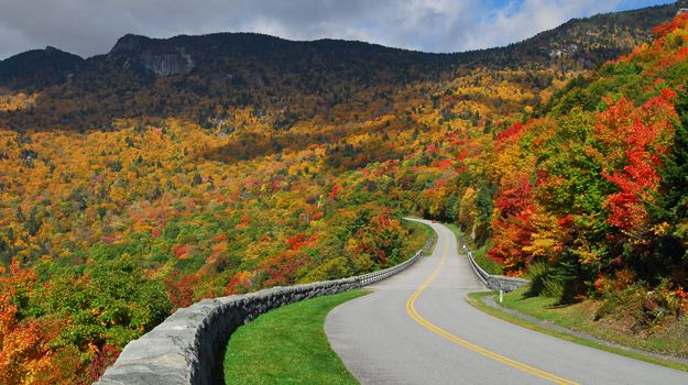 The Blue Ridge Parkway - Runs from North Carolina to Virginia, and is known for its views of rugged mountains and the Appalachian Highlands. www.cruisenow.com.au