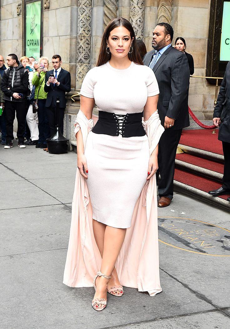 Muestra tus curvas al estilo Ashley Graham - CINTURA DE AVISPA | Galería de fotos 1 de 6 | Glamour Mexico