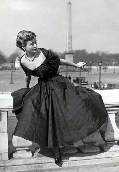 エレガンスの追求♡見ているだけで幸せになれるディオールのヴィンテージドレス*にて紹介している画像