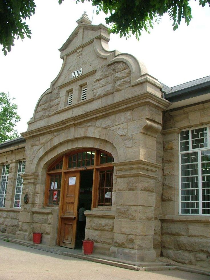 Frankfort in the Eastern Free State has a delightful sandstone post office