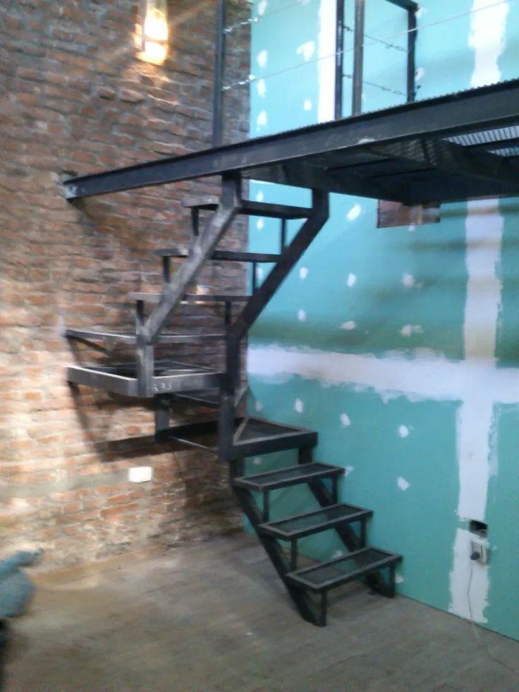 Escaleras de exterior latest marquesina para escalera for Escaleras metalicas exteriores precios