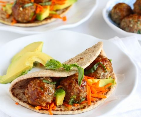 Asian Meatball & Avocado Flatbread Sandwich Recipe - 9p+ / 1 sandwich............................................Amazing flavors! 341 calories - www.cookincanuck.com