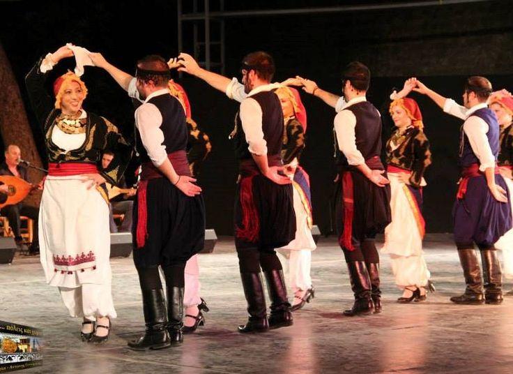 H Μουσικοχορευτική Παράσταση του Λυκείου των Ελληνίδων Ηρακλείου Κρήτης
