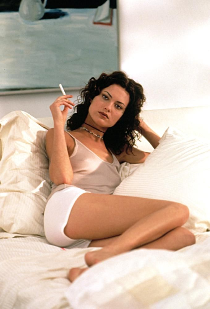 Shalom Harlow, 1997   Essential Gay Themed Films To Watch, In And Out http://gay-themed-films.com/watch-in-and-out/