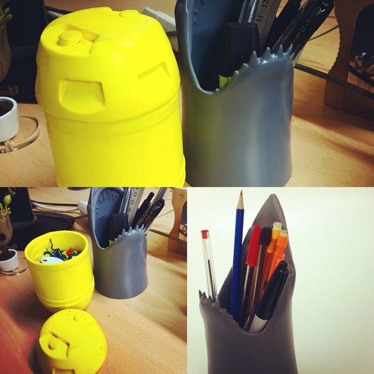 Shark pen tidy barrel for desk