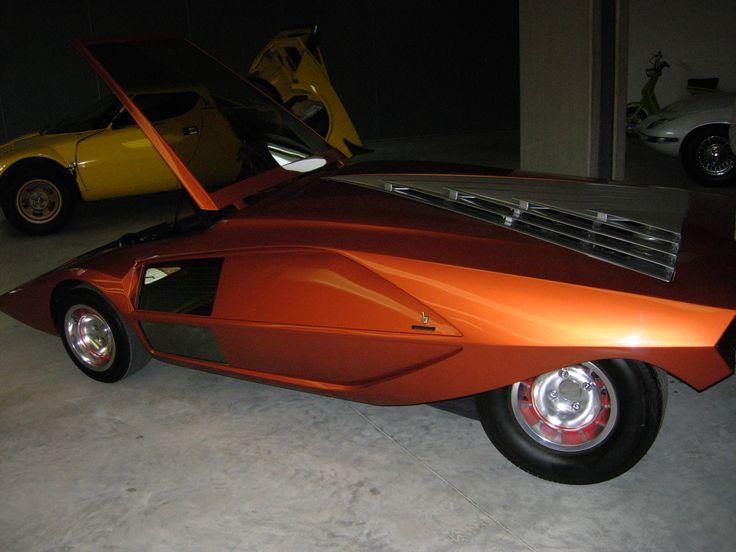 Bertone Stratos concept
