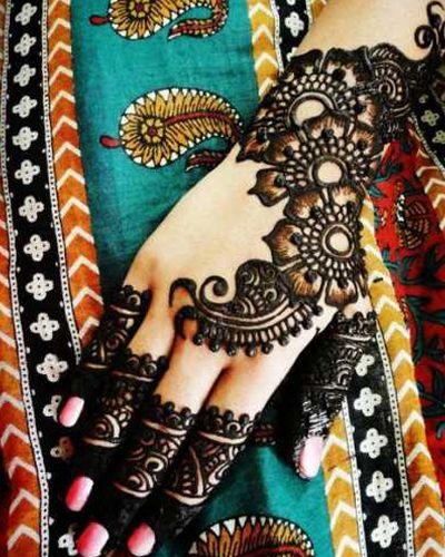 Lovely Henna Design