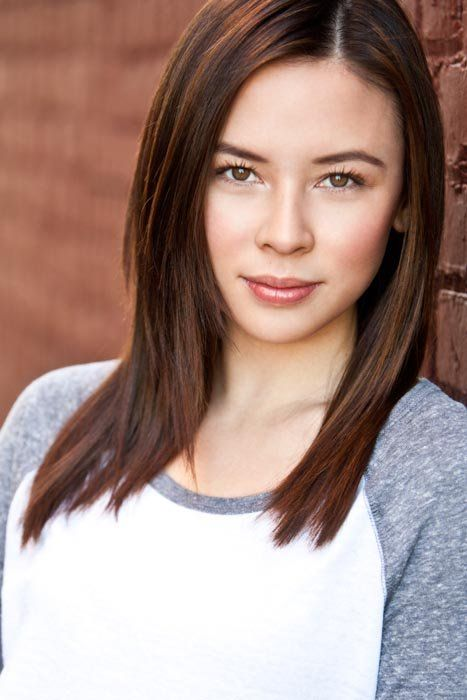 Malese Jow (plays Anna)