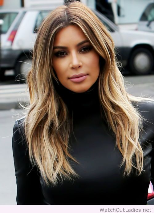 Kim Kardashian blonde in her hair