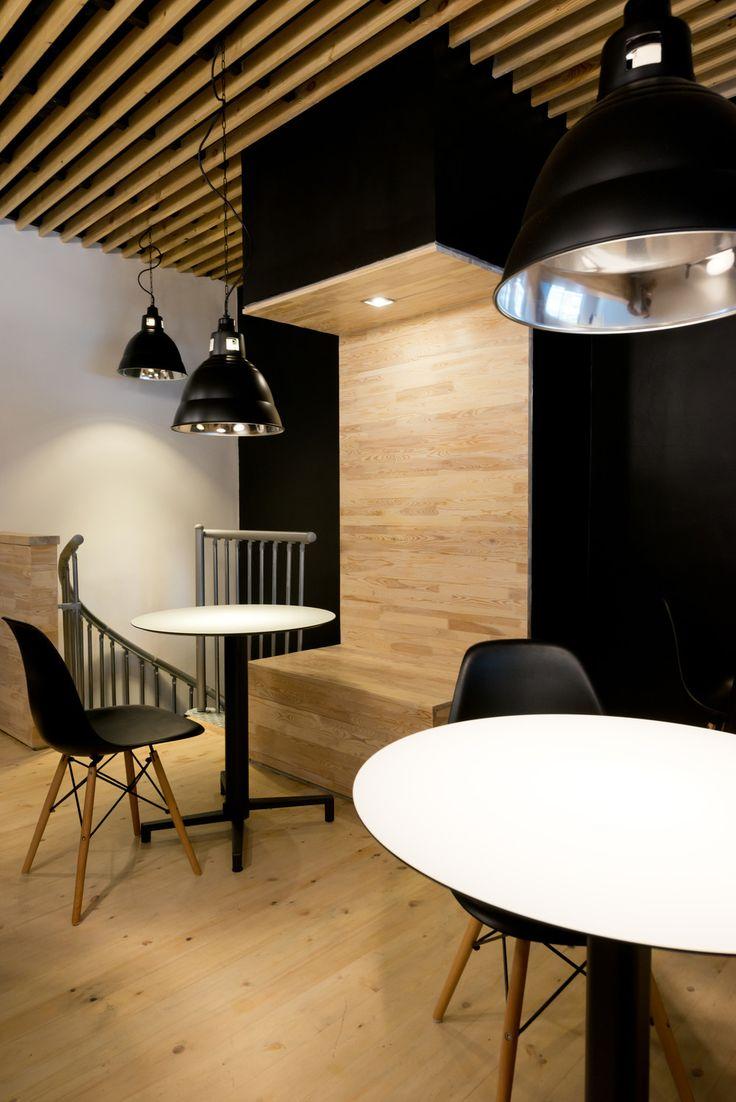 COFFEE CREW. Интерьер кофейни на улице Миклухо-Маклая, 34 - Лучший интерьер ресторана, кафе или бара | PINWIN - конкурсы для архитекторов, дизайнеров, декораторов