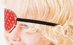 DIY-Anleitung: Piraten-Augenklappe aus Stoffresten nähen via DaWanda.com