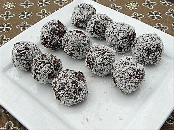 Фото к рецепту: Шоколадно-кокосовые шарики