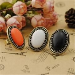 http://crazyberry.in/online-shopping/artificial-imitation-fashion-jewellery/black-vintage-oval-gem-ring