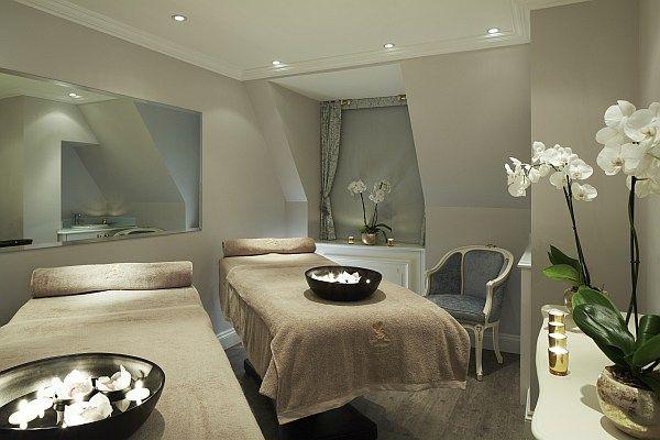 The Ritz Beautysalon, Londen