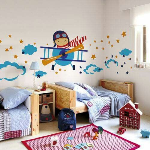 Habitaci n infantil decorada con avion babys kids room for Pegatinas habitacion infantil